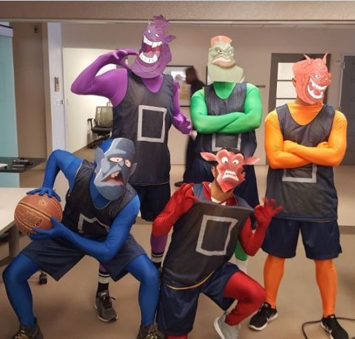 triagers-dressed-as-space-jam-characters-during-the-2k17-halloween