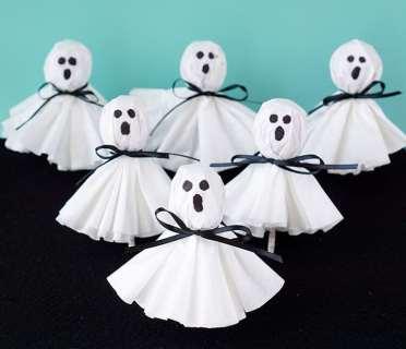 easy-halloween-ghost-pops-lollipops