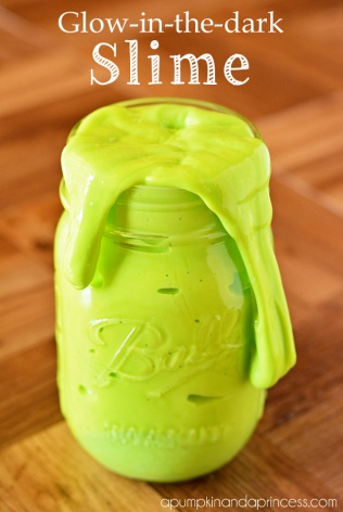 homemade-glow-in-the-dark-slime