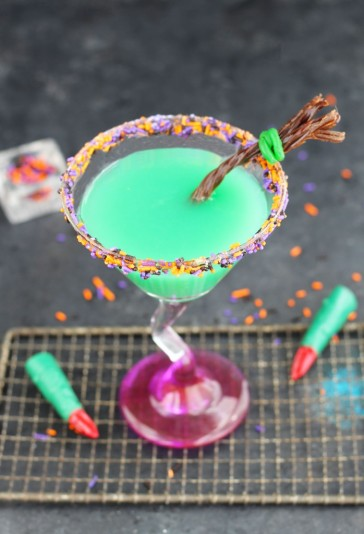 melted-witch-martini-2-698x1024