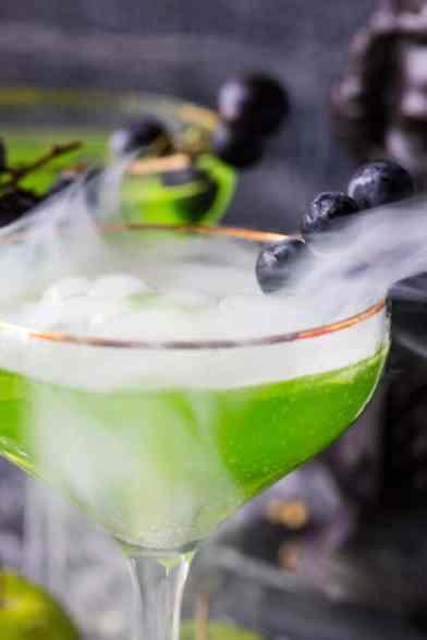 spooky-halloween-cocktail-7