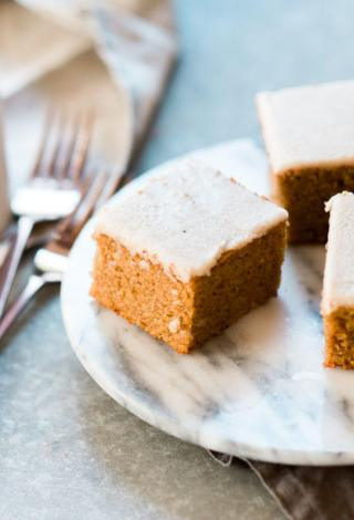 best-easy-paleo-pumpkin-cake-12-697x1024