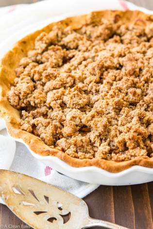 paleo-apple-pie-with-crumb-topping-gluten-free-grain-free-dairy-free-8