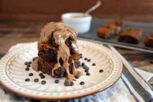 paleo-pumpkin-blondies-with-almond-butter-683x455