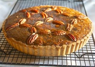 pecan-pie-cooling-on-rack1-1024x731