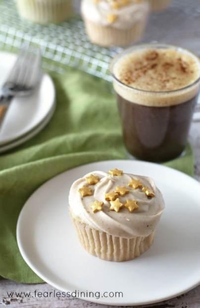gluten-free-eggnog-cupcake-single